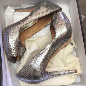 Badgley Mischka willoe peep toe heels